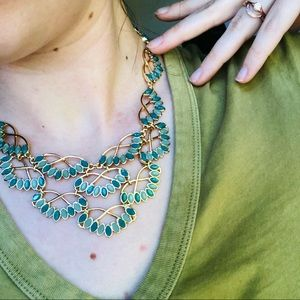 CAROLEE • v neck statement necklace green gold NWT